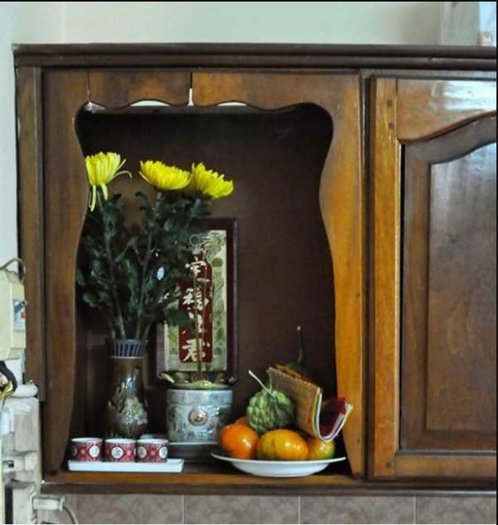 Bài trí bàn thờ ông Táo khi đóng tủ bếp