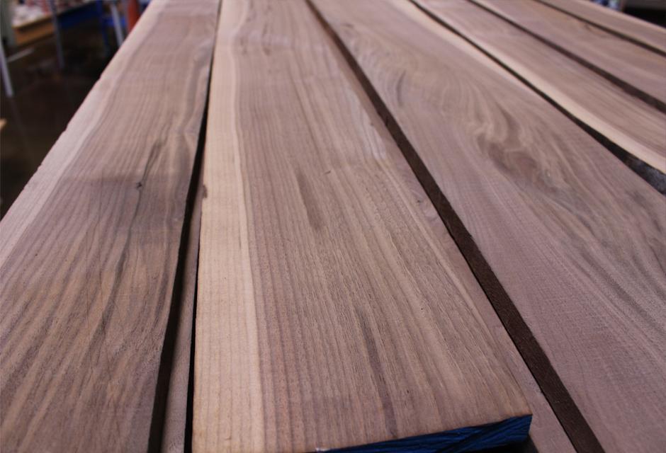 gỗ óc chó loại 1